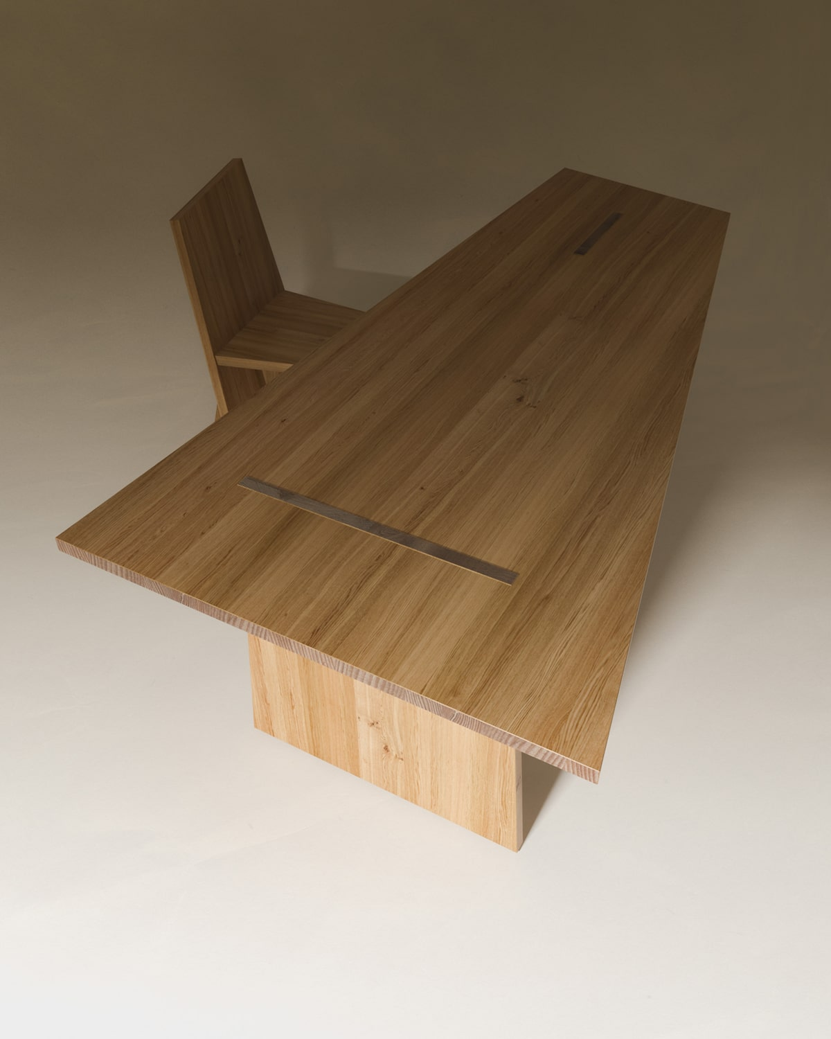 crooked_dining_table_07
